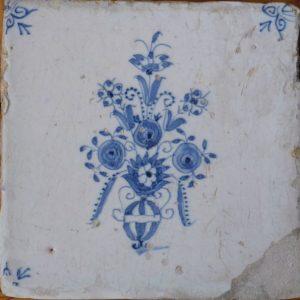 antieke delftsblauwe bloemtegel
