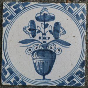 antieke delftsblauwe bloementegel
