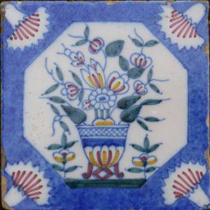 antieke tegel, bloemtegl