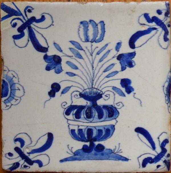 antieke blauwe bloempottegel