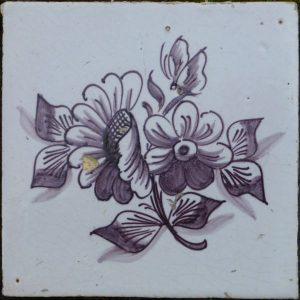 antieke bloemtegel