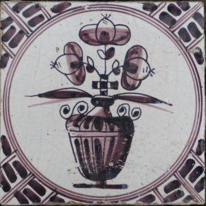 antieke tegel, bloemtegel, grote bloempot