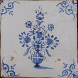 antieke bloempottegel