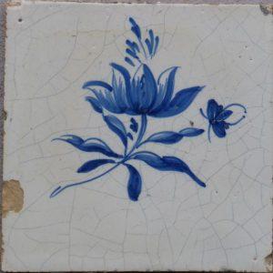 antieke friese- bloemtegel